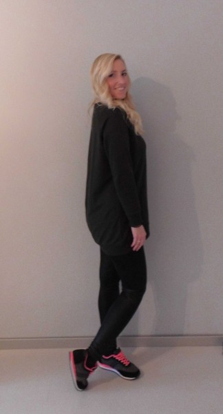 OOTD-outfit-leather-legging-leer-groene-oversized-sweater-nike-bershka-2