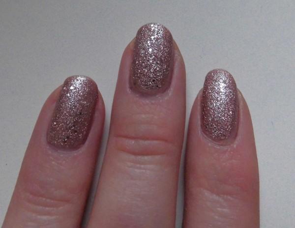 nails-rimmel-caramel-cupcake-space-dust-aurora-2