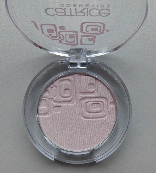 Catrice-Limited-Edition-Creme-fresh-eyeshadow-another-pink-panther-1