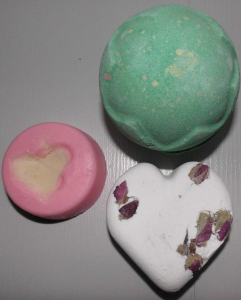 Lush-producten-bruisbal-en-massage-bar