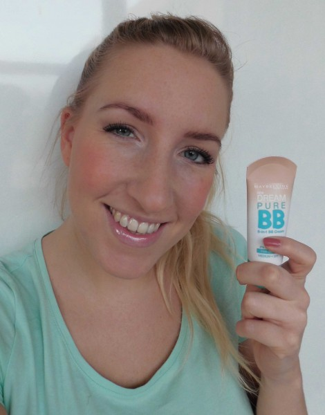 Mega-budget-BB-Cream-creme-review-Maybelline-Pure-6