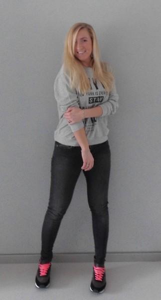 OOTD-New-York-Sweater-Mango-grey-skinny-Bershka-nike-nikes-1