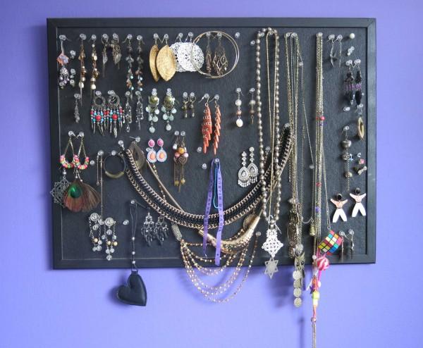 DIY-sieraden-opberger-en-tips-prikbord-oorbellen