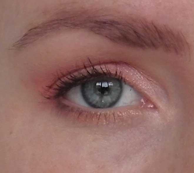 Lente-look-eyes-oogschaduw-roze-pink-bourjois-fan-tastic-volume-mascara-2