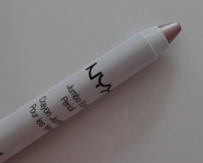 NYX-Jumbo-Eye-pencil-611-yoghurt-2