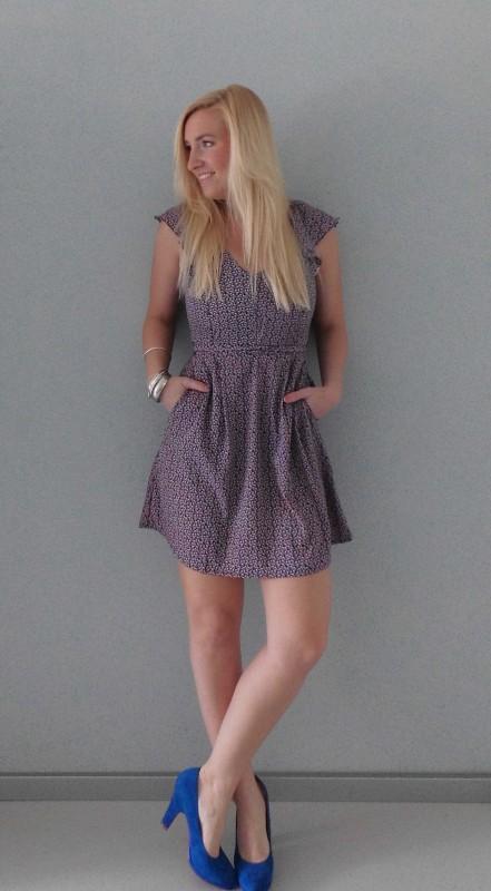 OOTD-outfit-floral-bloemen-dress-jurk-cobalt-blauwe-pumps-summer-1