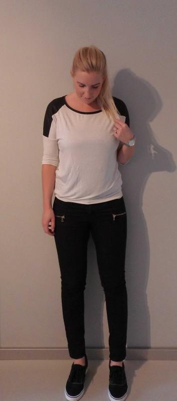 OOTD-outfit-of-the-day-black-white-zwart-wit-broek-vans-van-haren-en-bershka-3