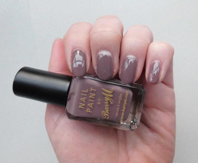 NOTD-nails-Barry-M-nailpolish-in-341-Cappucino-1