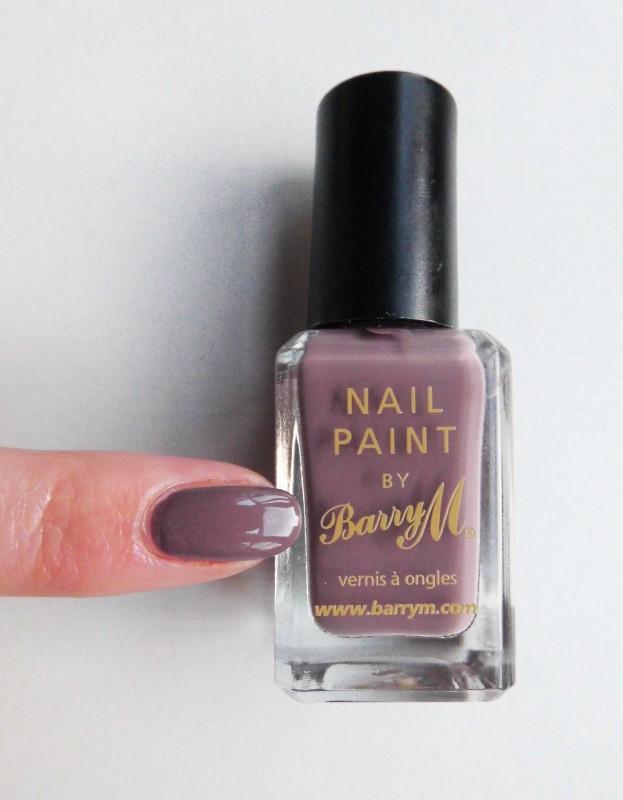 NOTD-nails-Barry-M-nailpolish-in-341-Cappucino-6
