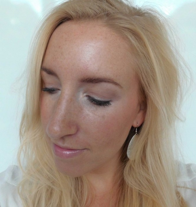 Review-Nyx-Dream-Catcher-palette-Stormy-Skies-swatch-6