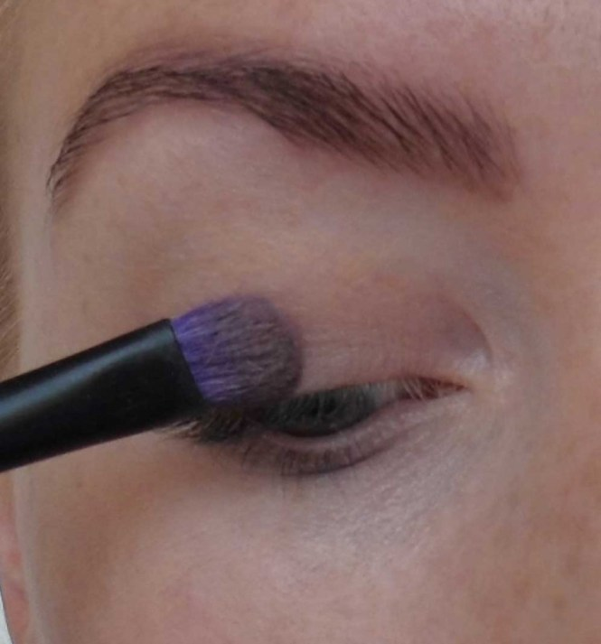Trend-look-tutorial-herfst-2014-New-Nude-Urban-Decay-Naked-the-basics-2-palette-5