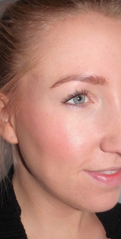 review-bourjois-happy-light-foundation-en-blush-16-rose-coup-de-foudre-love-struck-rose-17