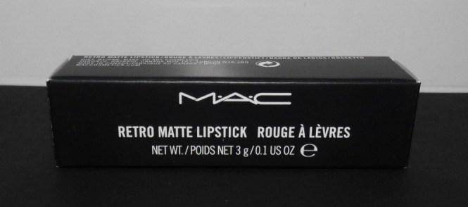 Review-MAC-Retro-Matte-Ruby-Woo-2