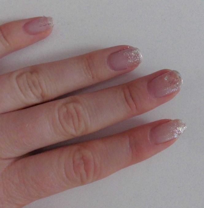 snelle-simpele-nailart-nagellak-nagels-diy-tutorial-winter-sneeuw-glitter-8