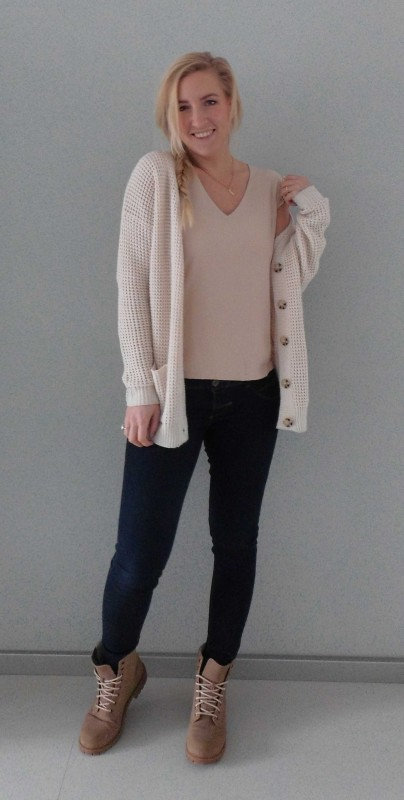 OOTD-outfit-beige-nude-stoer-soft-casual-boots-H&M-bershka-zara-3