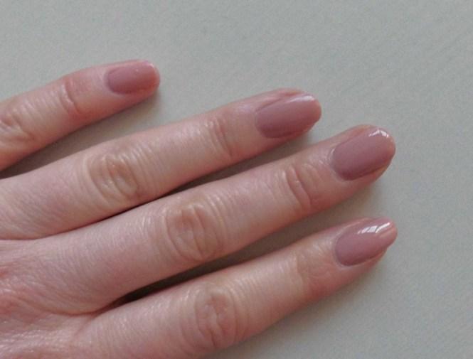 NOTD-nails-of-the-day-Rimmel-Kate-237-Soul-Session-dupe-doutzens-nude-l'oreal-nagellak-nailpolish-4