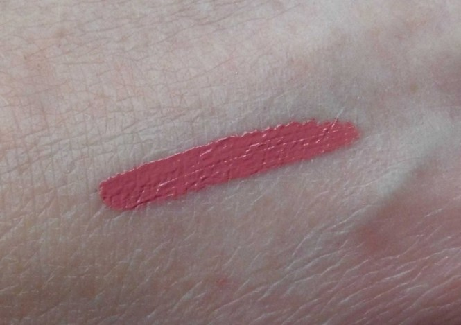 Review-hourglass-indestructable-matt-lip-lipstick-in-canvas-5