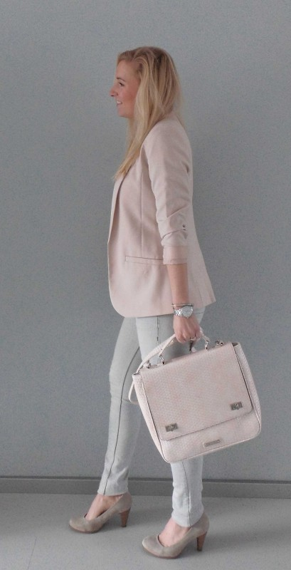 OOTD-outfit-one-bag-two-styles-expresso-tas-bikkel-colbert-werk-hm-van-haren-en-bershka-budget-business-chic-WE-blondiebeautyfashion-4