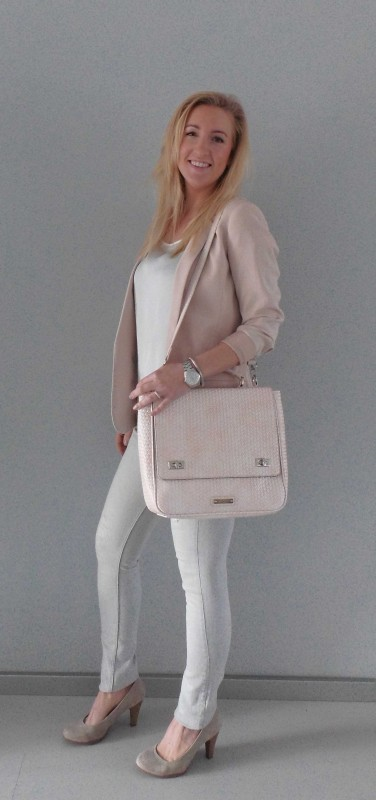 OOTD-outfit-one-bag-two-styles-expresso-tas-bikkel-colbert-werk-hm-van-haren-en-bershka-budget-business-chic-WE-blondiebeautyfashion-6