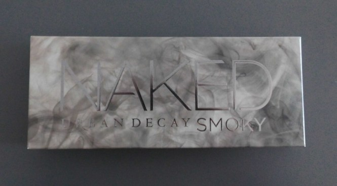 Review-Urban-Decay-Naked-Smoky-palette-swatches-look-1