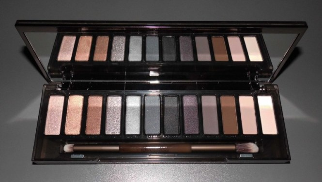 Review-Urban-Decay-Naked-Smoky-palette-swatches-look-9