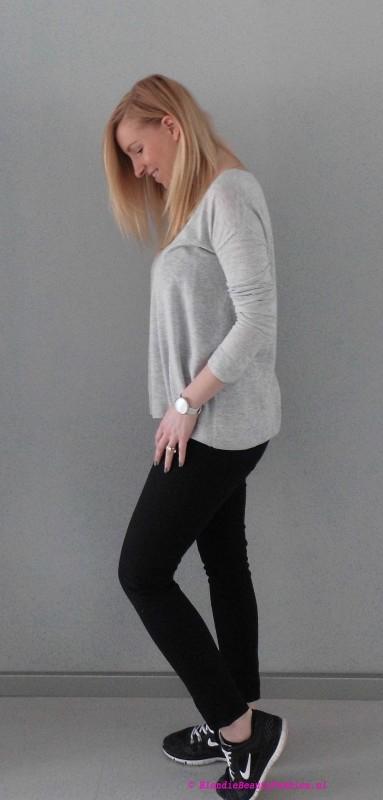 OOTD-outfit-of-the-day-simpel-stoer-basic-minimal-zwarte-cropped-broek-stradivarius-grijze-oversized-jumper-trui-bershka-nike-nikes-3