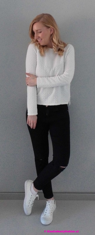 OOTD-outfit-style-day-dag-sweater-primark-trui-ripped-jeans-stradivarius-white-sneakers-wit-zwart-casual-leather-3