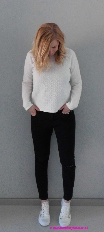 OOTD-outfit-style-day-dag-sweater-primark-trui-ripped-jeans-stradivarius-white-sneakers-wit-zwart-casual-leather-5