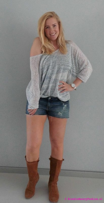 OOTD-outfit-jeans-shorts-sweater-slouchy-top-boots-festival-casual-day-dag-1