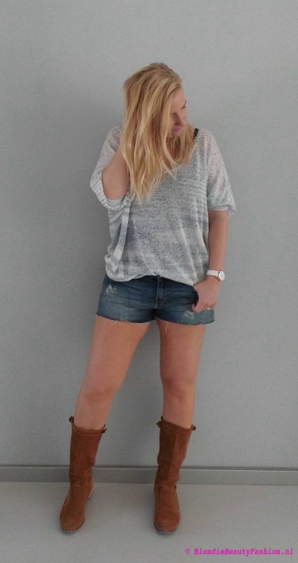 OOTD-outfit-jeans-shorts-sweater-slouchy-top-boots-festival-casual-day-dag-2