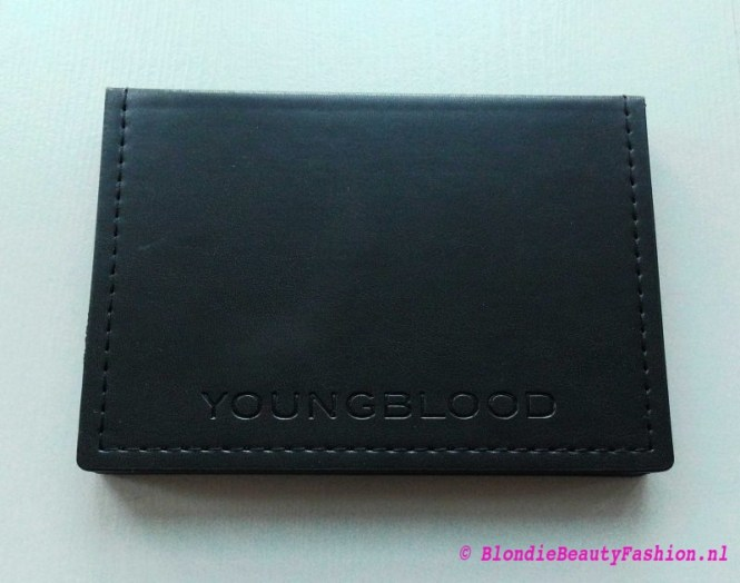 review-youngblood-illuminate-highlighter-palette-1