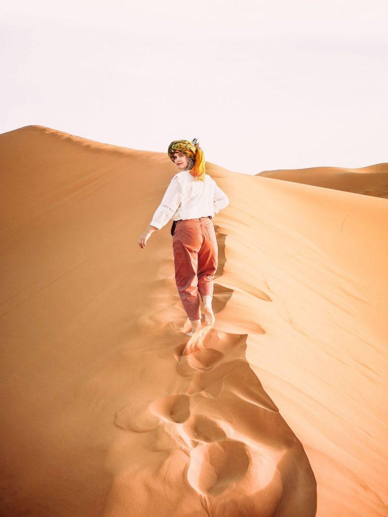 girl sahara desert morocco dunes sand model