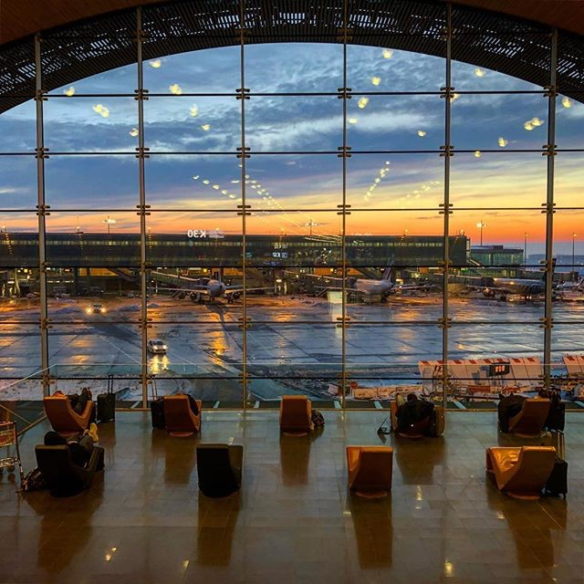 pictures from the aeroport de paris