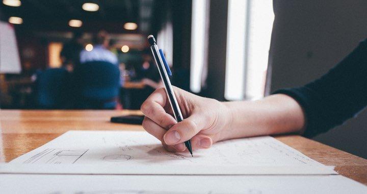 Plus que ton CV, c'est ta personnalité qui nous intéresse : envoie nous un court texte présentant les principales raisons qui te donnent envie de nous rejoindre.