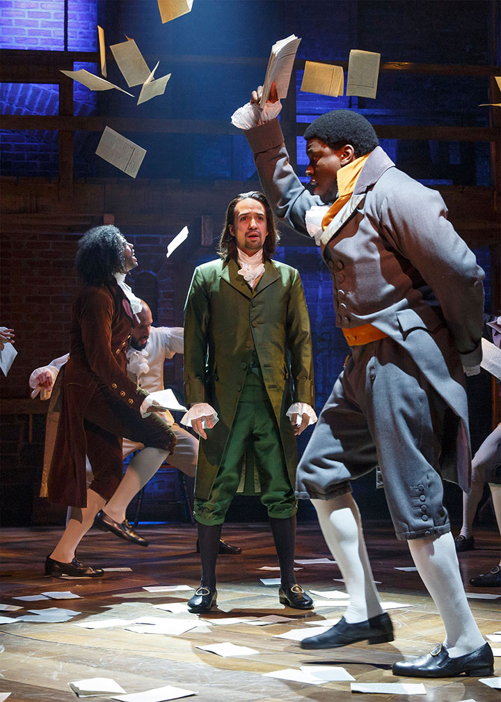 Hamilton Musical Quotes Wallpaper Hamilton S Costumer Turned The Cast Inside Out Bloomberg