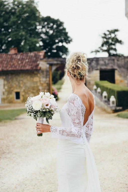 Robe Marie Liesse Création, bouquet Blooming Augustine, photo Anne Montillet