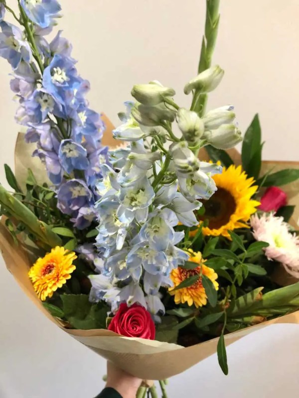 hand tied bouquet 1