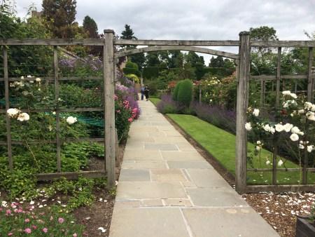 Crathes_Castle_Walled_Garden