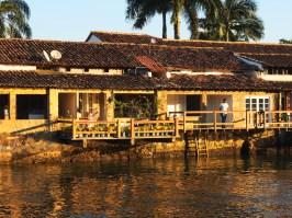 restaurant-sur-eau-paraty