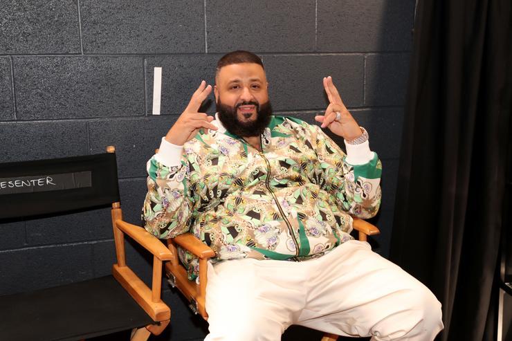 dj khaled-achete des-tonnes-de-billets-de-loterie