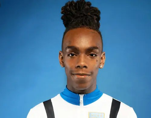 "YNW Melly : Malgré son inculpation, il sort ""Melly VS Melvin"""