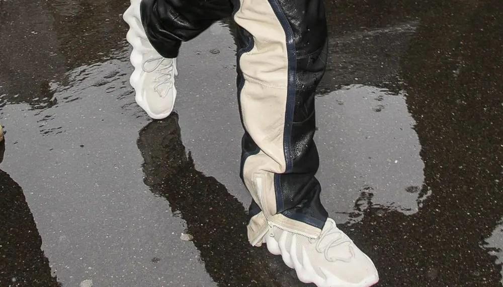 Kanye West présente ses adidas YEEZY 451 Sneakers à Paris