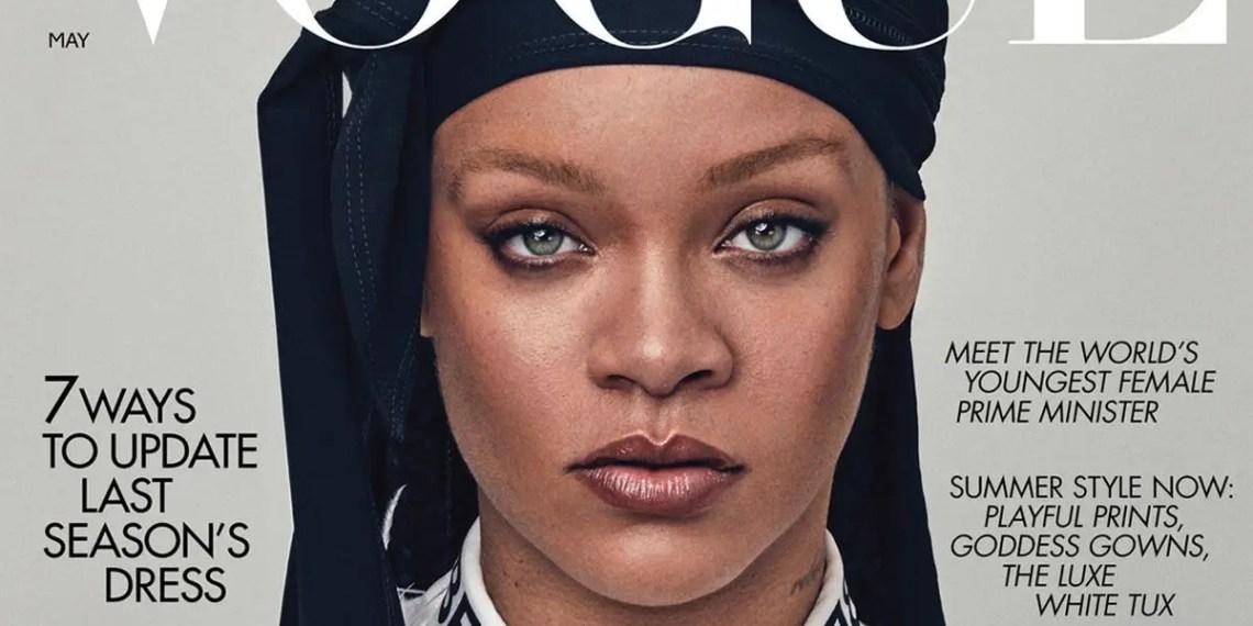 """Rihanna ne dira pas quand """"R9"""" sortira mais elle """"travaille dur""""."""
