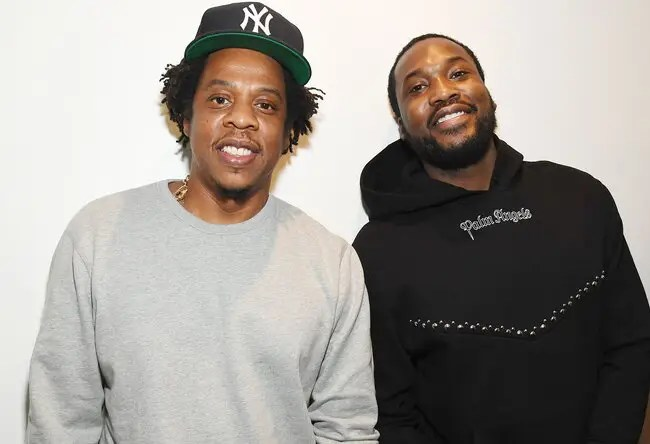JAY-Z et Reform Alliance de Meek Mill font don de 100 000 masques aux prisons américaines