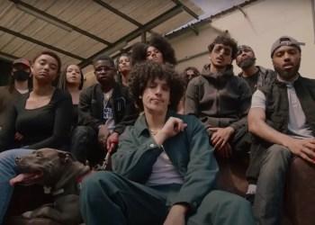 Rilès dévoile le clip de « GOA »