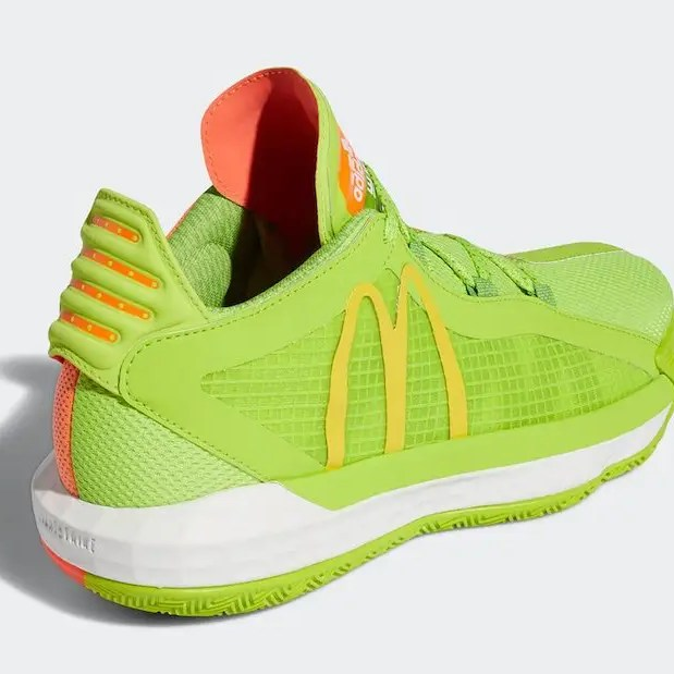 Une collaboration adidas Basketball x Mcdonald's en cours de production