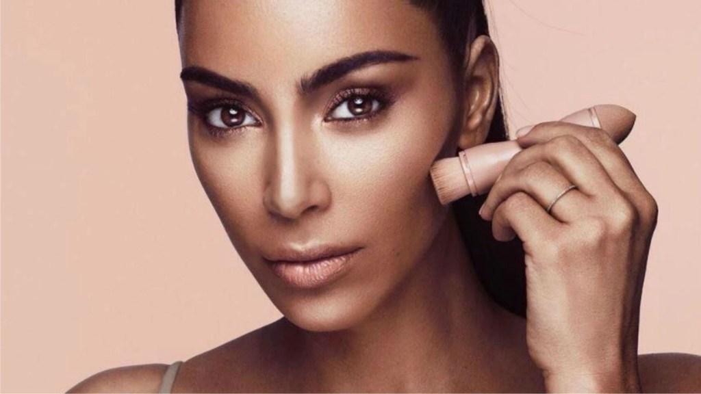 Kim Kardashian n'est pas encore un milliardaire, selon Forbes