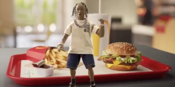 Travis Scott x McDonald's : une figurine vendue à 55 000 dollars