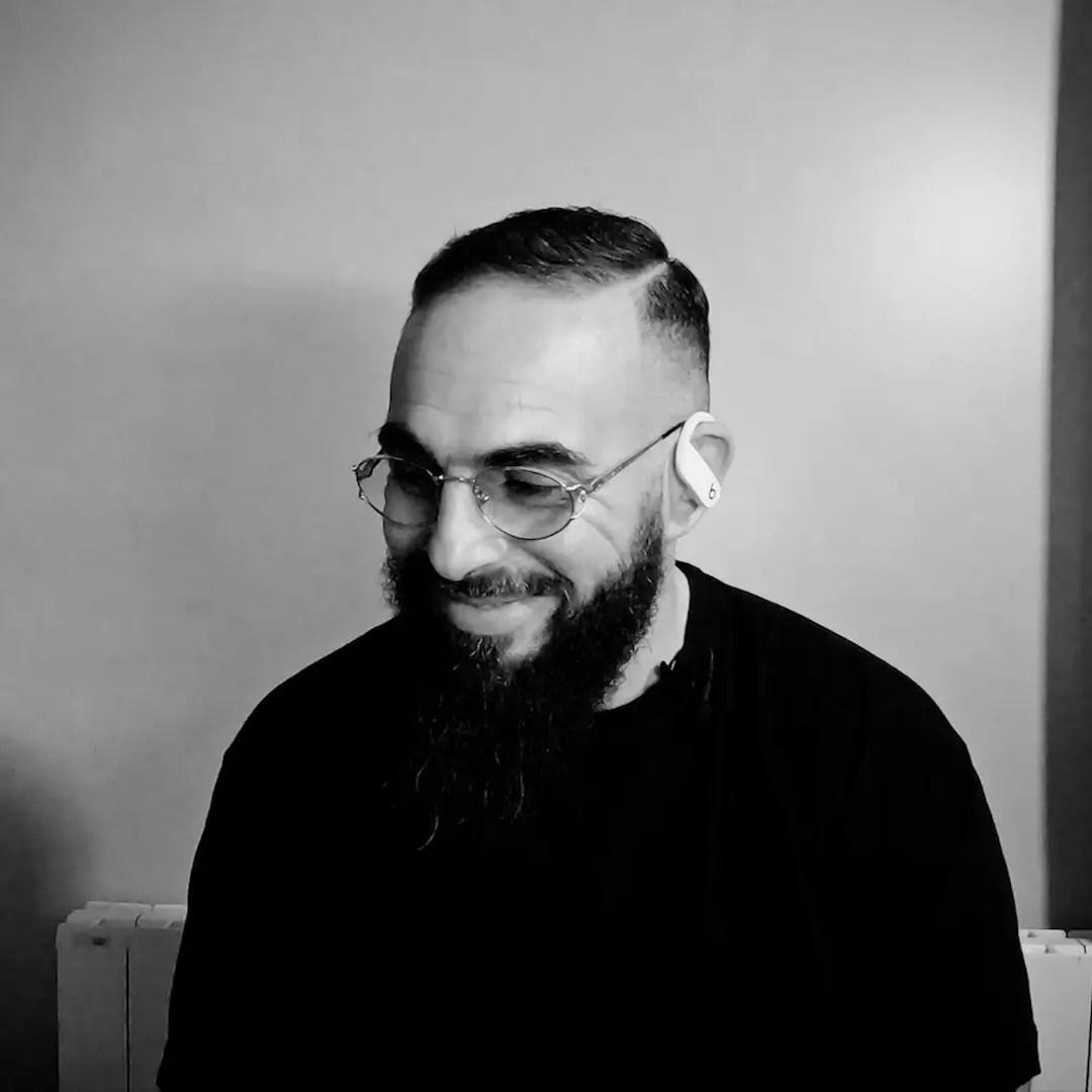 Dans ce premier épisode du CODE SESSIONS ; Mehdi Maïzi accueille les rappeurs Médine et Davinhor ainsi que le Youtubeur sensation et musicien Seb La Frite.