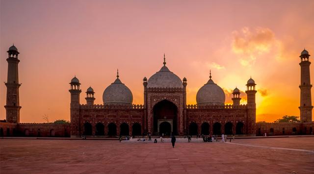 Sunset at Badshahi Masjid
